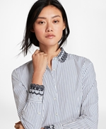 Eyelet-Embroidered Striped Cotton Poplin Shirt 썸네일 이미지 1